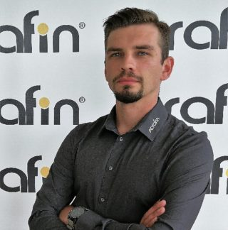https://www.serafin.agro.pl/wp-content/uploads/2020/08/Bartłomiej-klocek-serafin-maszyny-320x324.jpg